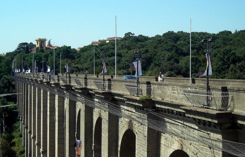 ariccia-ponte-suicidi