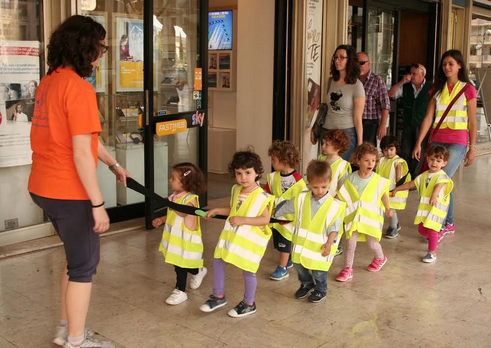 bambini-latina-asilo-biblioteca-1