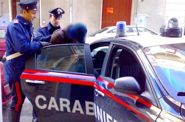 carabinieri-arresto-generica-auto