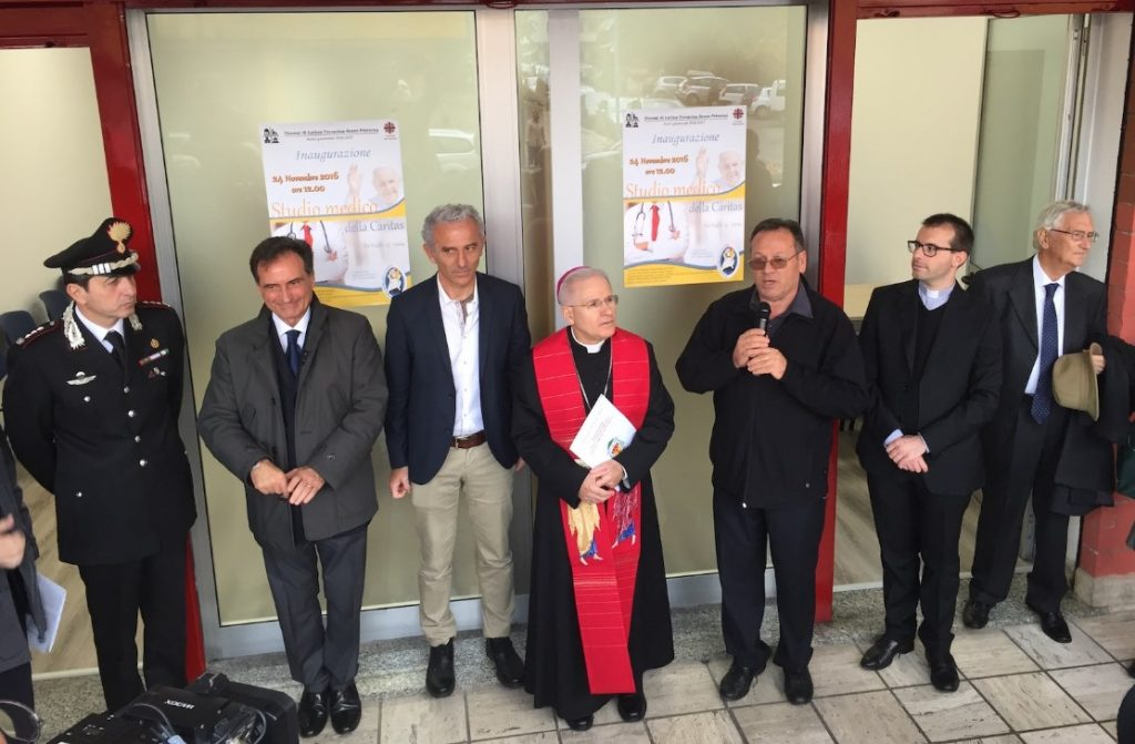 inaugurazione-studio-dentistico-caritas-latina
