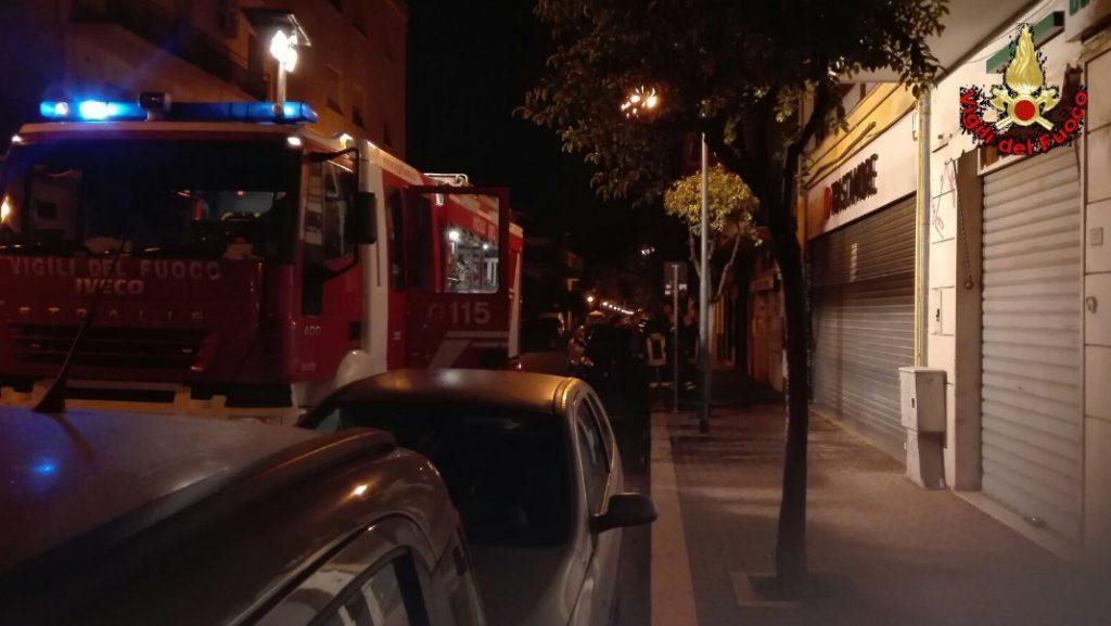 incendio-paninoteca-vialauri-aprilia-2016