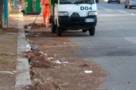 FOTO Dopo la segnalazione di una lettrice intervento di pulizia in via Bachelet
