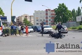 Schianto in moto all'incrocio del centro Morbella, feriti due giovani
