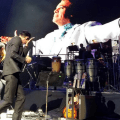 Con lágrimas Marc Anthony despide a Juan Gabriel en el escenario