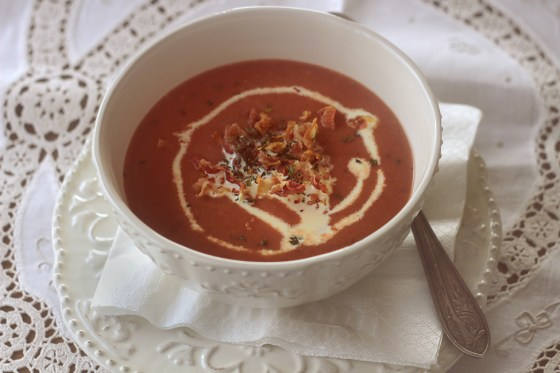 reteta supa crema de cartofi cu sfecla rosie