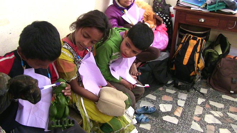 kids.nepal2