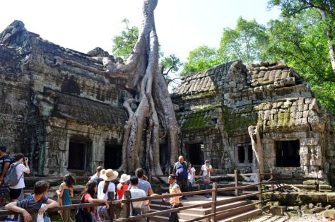 Ultimate Guide To A 1 Day Angkor Pass | travel visit plan angkor wat ta prohm temples description which ones to go to trip explore bike tuk tuk book trip how to help top tips dress code one day 1 day best temples siem reap cambodia cambodian khmer empire ancient bayon angkor thom sunrise sunset blog post history about