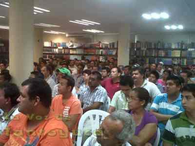 """Más de 200 transportistas, fueron los que recibieron el curso para poder adquirir la licencia tipo """"A"""" en Tantoyuca."""