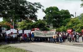 Indefinido el bloqueo de la carretera federal en Tantoyuca