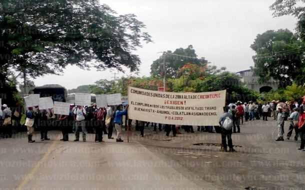 Campesinos retiran bloqueo de la carretera Alazán – Canoas