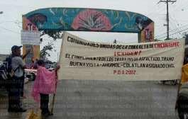 Ante el incumplimiento del gobernador, pobladores bloquean carretera estatal en Chicontepec