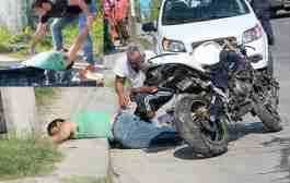 Compra motocicleta y se mata en ella al impactarse contra un poste de luz