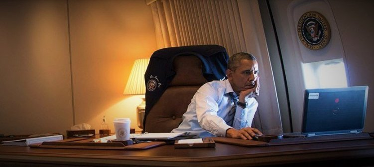 Obama-at-computer