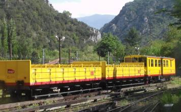 train-jaune