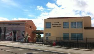 Façade achevée de l'Ecole Jean Gavot Le Beausset