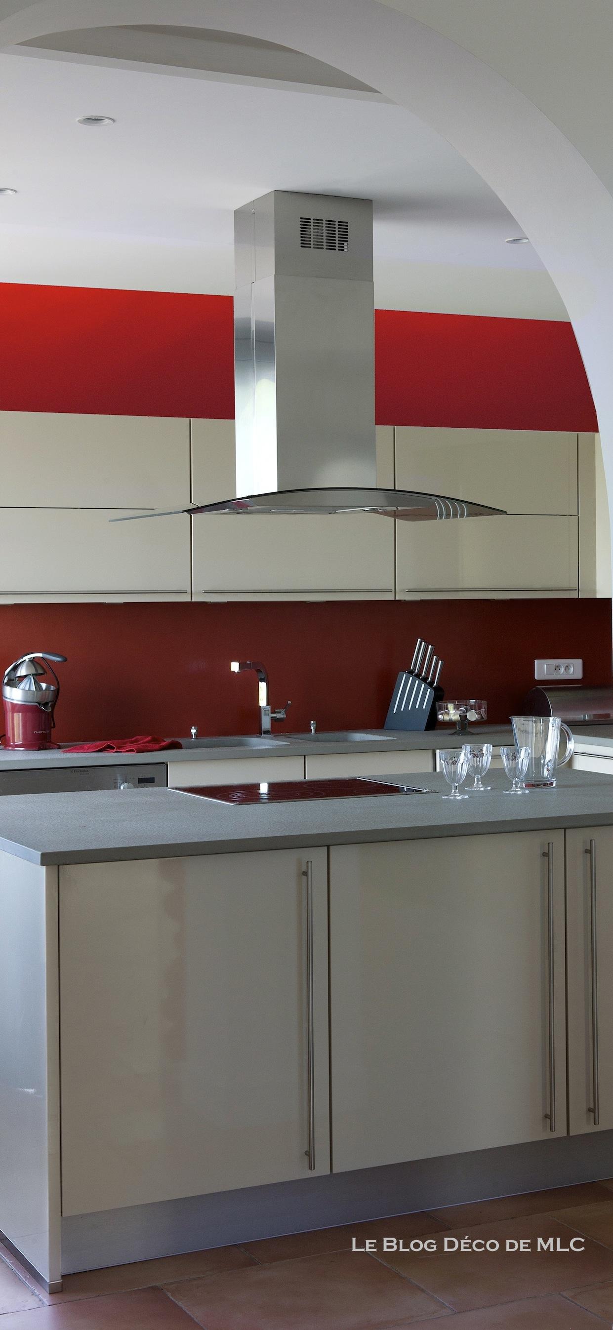Fond de cuisine latest hotte de cuisine largeur cm hotte - Extracteur de hotte de cuisine ...