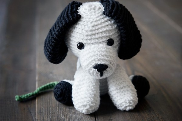 Free Crochet Puppy Pattern – Includes Leash!