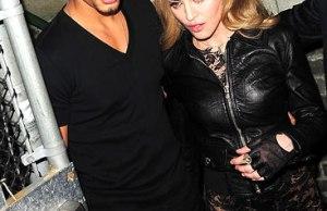 Madonna Jesus Luz Fashion Show