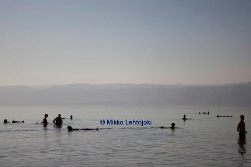 kuolleenmeren kelluntaa