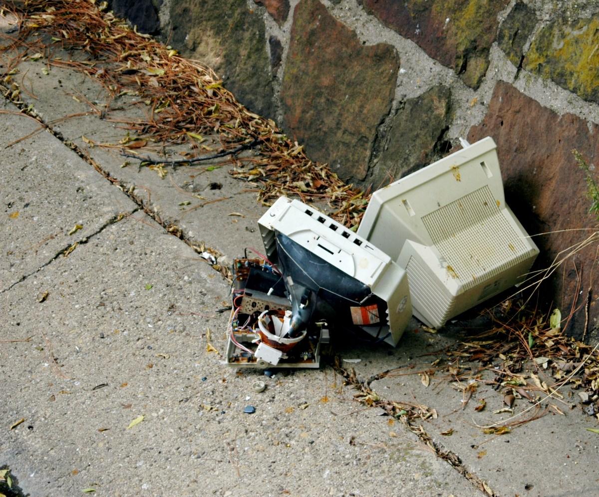 Recyclage: les objets électroniques rapportés chez les vendeurs