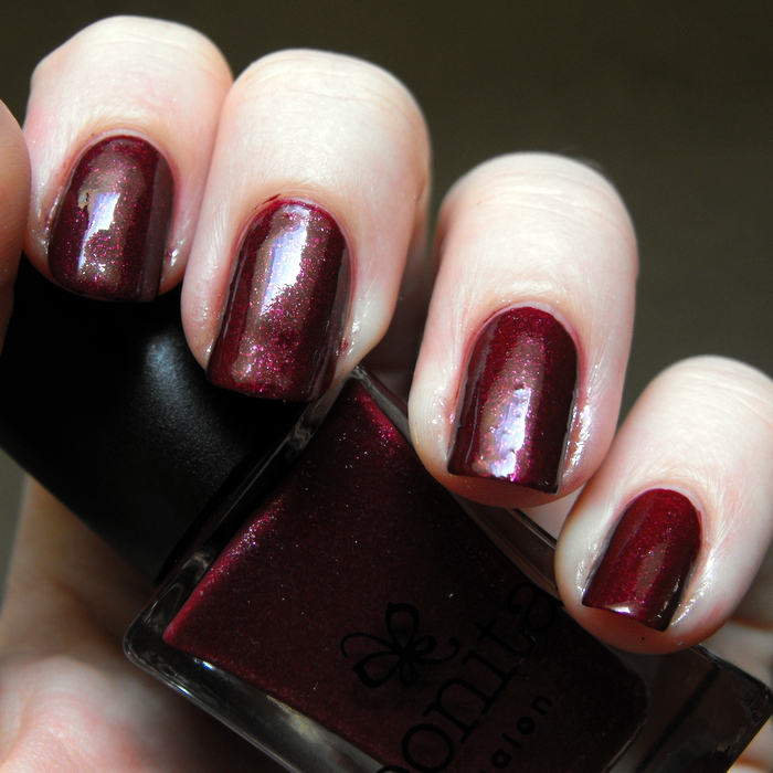Bonita Salon - Rembrandt's Muse with top coat