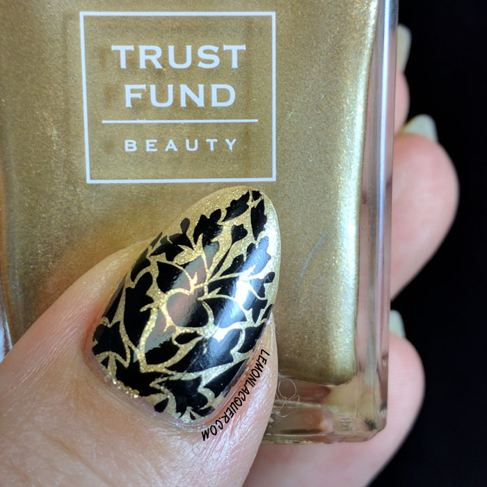 Gold and black damask thumb