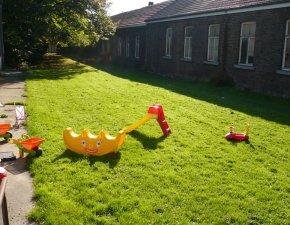 Crèche avec jardin