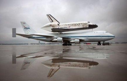 Modern Shuttle catching a ride