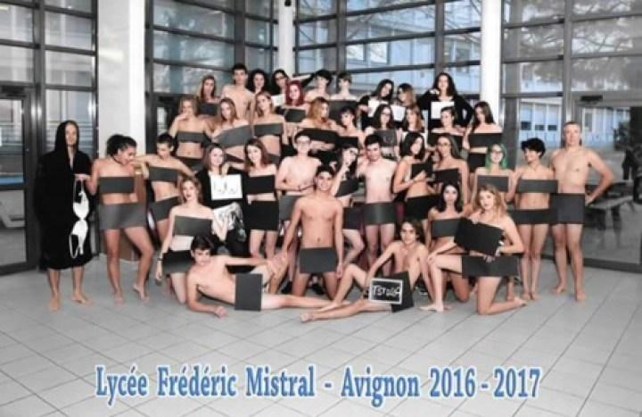 Ils ont eu le culot de faire leur photo de classe nus