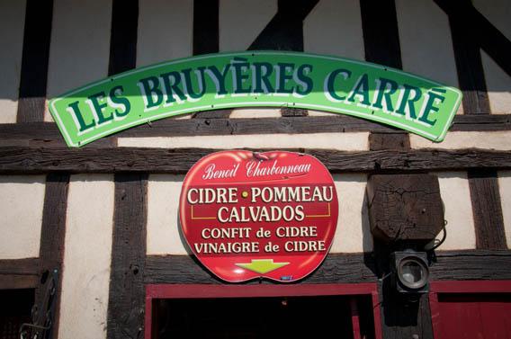 logo boutique les bruyères carré moyaux calvados normandie