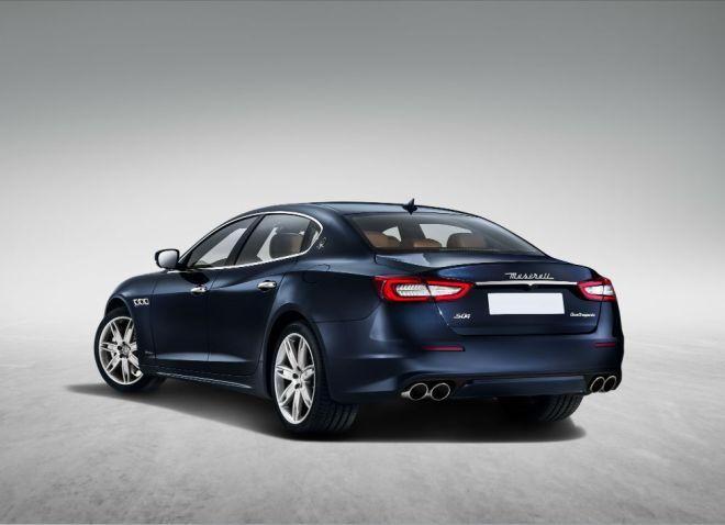 New Quattroporte S Q4 GranLusso_rear