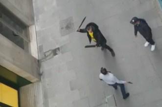 Bataille au sabre dans un quartier de Barcelone (VIDEO)