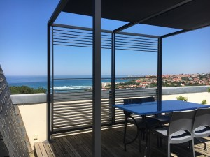 location-appartement-terrasse-voletsbleus-biarritz
