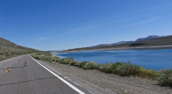 road-trip Grant Lake