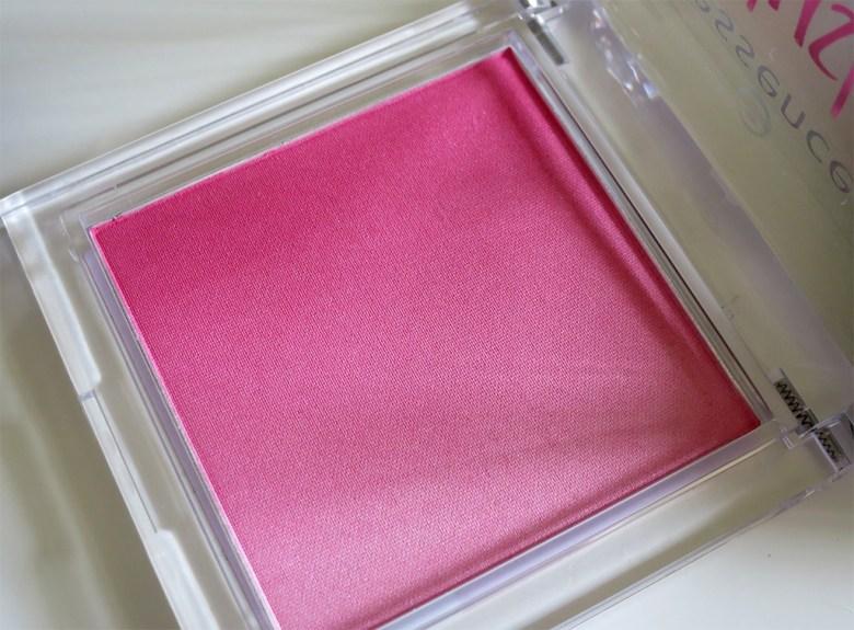 Essence Blush in Pinky Flow