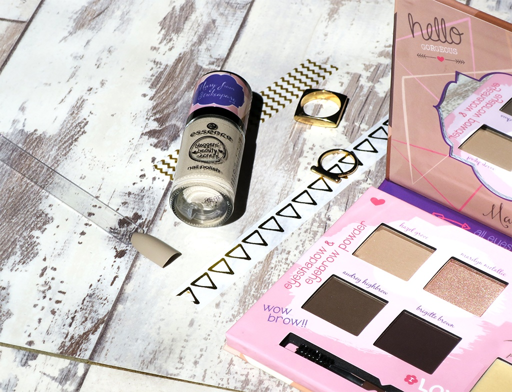Essence Bloggers' Beauty Secrets Palette