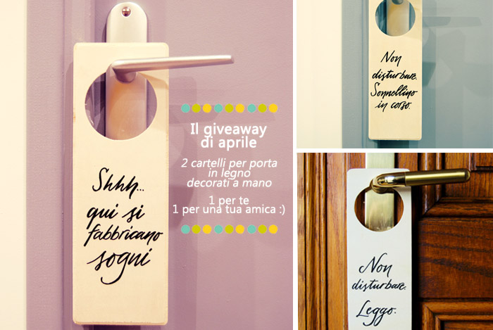 Giveaway #tuttii25: 2 doorhangers (cartelli da appendere alla porta), in legno, decorati a mano