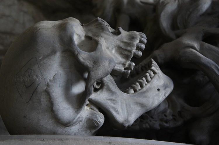 Cemetery Die Skull Bone Death Teeth Genoa