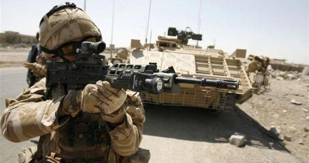 un-soldat-britannique-dans-la-region-de-bassorah-en-irak_454