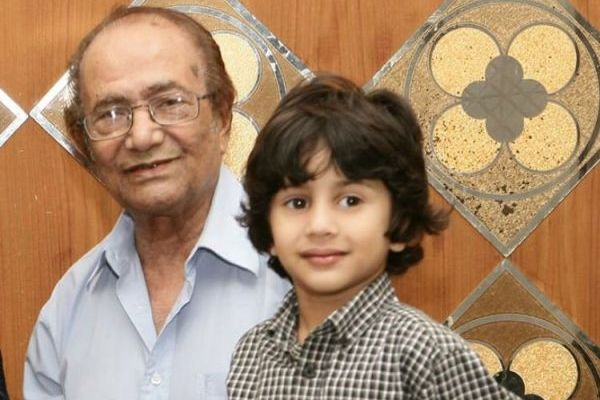 Hanif Mohammad encourages cancer-affected people to fight against the disease