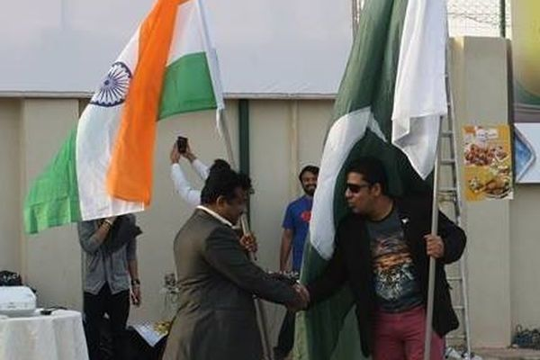 Pak-Ind Fans enjoyed cricket together at Riyadh
