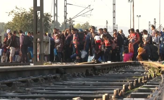 Rifugiati, da Ue 700 milioni per evitare la crisi umanitaria in Grecia