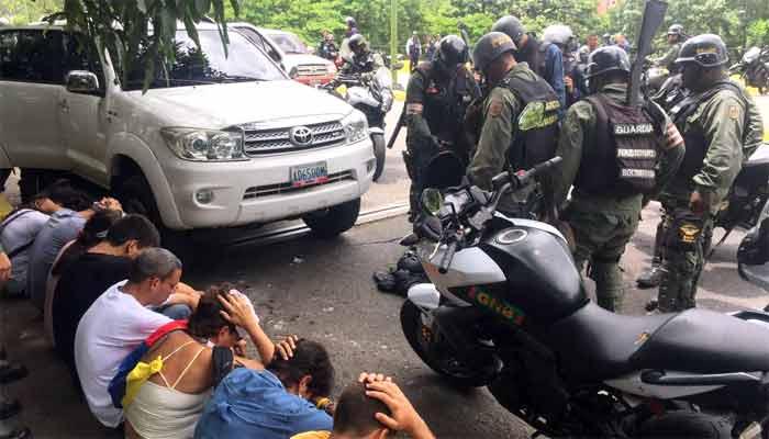 Venezuela, gruppo di militari tenta il golpe anti-Maduro: due morti a Valencia