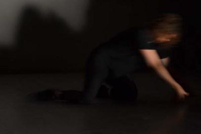 Compagnia LIBRA/Melissa Valtulini Improvvisazione con musica dal vivo, 2016. Musica di Giorgio Bugini. Luci: Marcello Zagaria Riprese Video: Enrico Pulici 24 settembre 2016 - Spazio Hub - Treviglio (BG) - Italia.