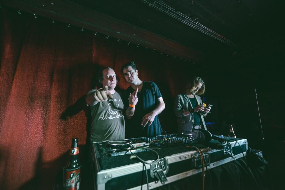 DJ set de Macaulay Culkin, Rey Pila y Har Mar Superstar.