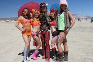 burning-man-festival-nevada-group