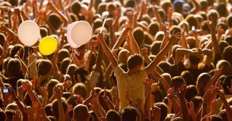 concert-crowd-1
