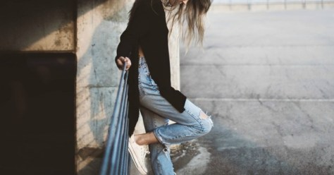 chica-jeans-cintura