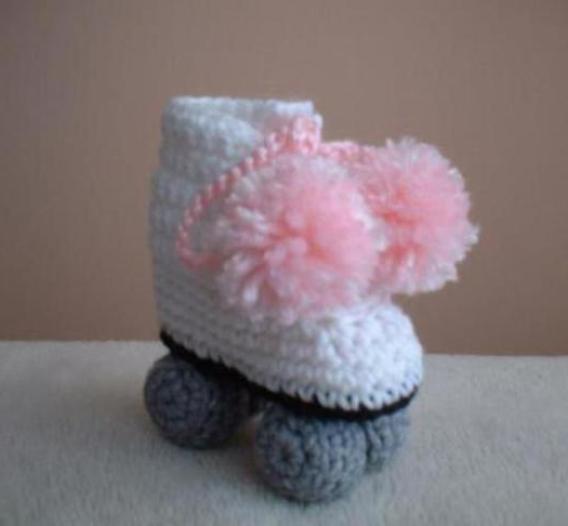 baby-roller-skates-crochet