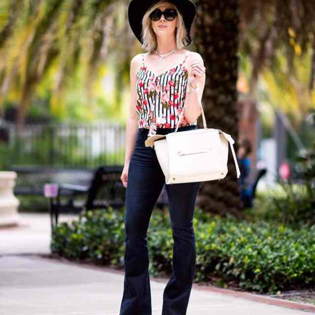 I am so obsessed with flare jeans! Great news Ihellip